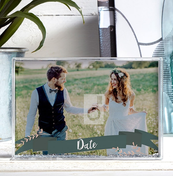 Full Photo with Date Photo Block - Landscape